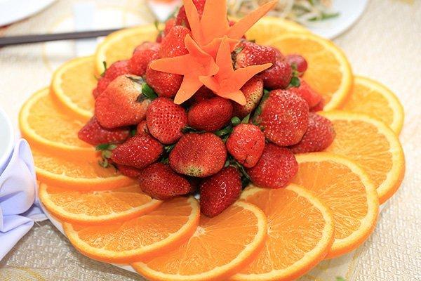 橙子削皮机代替人工削皮效率高